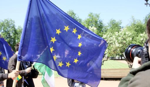 ES ragina JAV persvarstyti sprendimą nutraukti ryšius su PSO