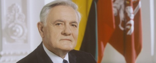 V. Adamkus – už Lietuvos pilietybę visiems lietuviams