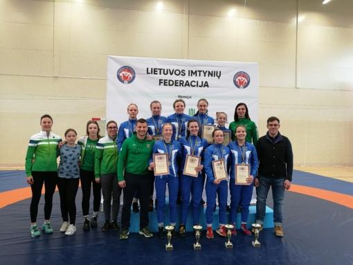 Lietuvos Respublikos jaunių imtynių čempionate merginos pasirodė puikiai