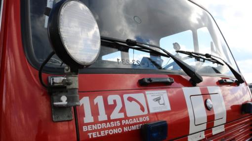 Per gaisrą Švenčionių rajone dūmais apsinuodijo žmogus