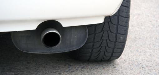 Taršiausių automobilių vairuotojams planuojamos kelių šimtų eurų kompensacijos