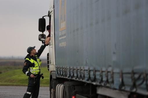 Girtas vilkiko vairuotojas su kroviniu blaškėsi Marijampolėje