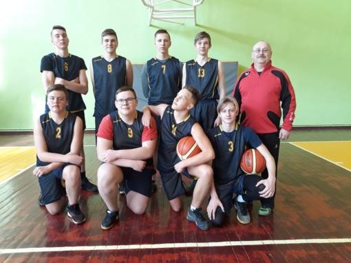Širvintų Lauryno Stuokos-Gucevičiaus gimnazijos vaikinai - krepšinio varžybų nugalėtojai