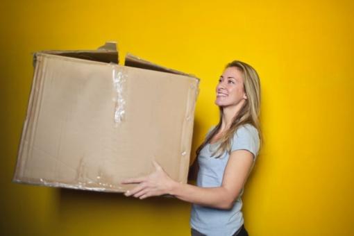 Patarimai mėgstantiems pirkti internetu: kaip patogiausia gauti siuntas?