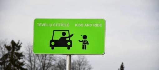 """Trakų autobusų stotyje – speciali """"Tėvelių stotelė"""""""