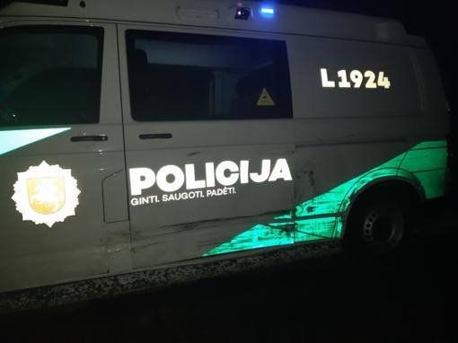 Klaipėdos apskrities policijos pareigūnai eismo įvykio Slovakijoje metu išgelbėjo žmogaus gyvybę (vaizdo įrašas)