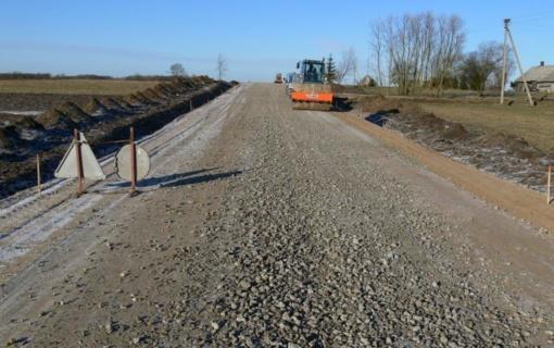 Kelių direkcija įgyvendino beveik 100 proc. 2017-2018 m. žvyrkelių asfaltavimo plano