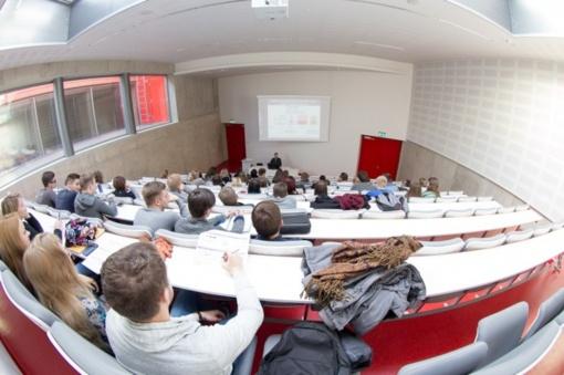 Nuo naujų mokslo metų didinamos studijoms skiriamos valstybės lėšos