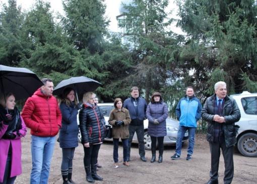 Joneliškio seniūnaitijos atstovai nusprendė, kada geriausia asfaltuoti gatvę