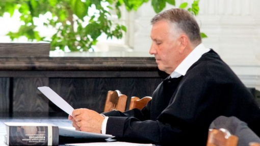 Korupcijos byloje suimtą advokatą D. Zagrecką prašoma toliau laikyti už grotų