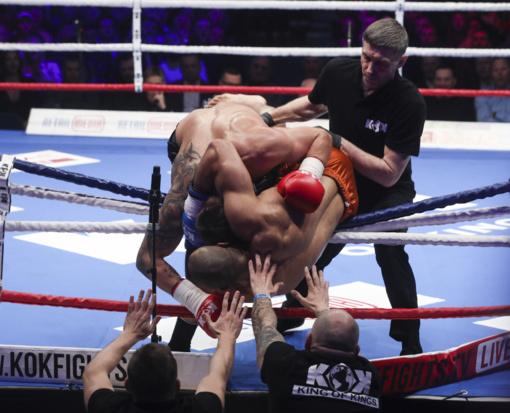 Kovotojas H. Vikšraitis iškovojo KOK čempiono diržą, S. Maslobojevas nokautavo Anglijos atstovą (nuotraukos)