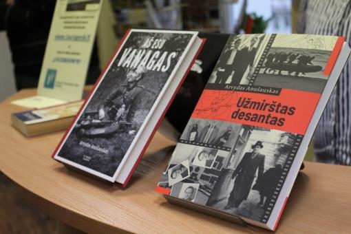 """Tauragės bibliotekoje – knygos """"Aš esu Vanagas"""" pristatymas"""