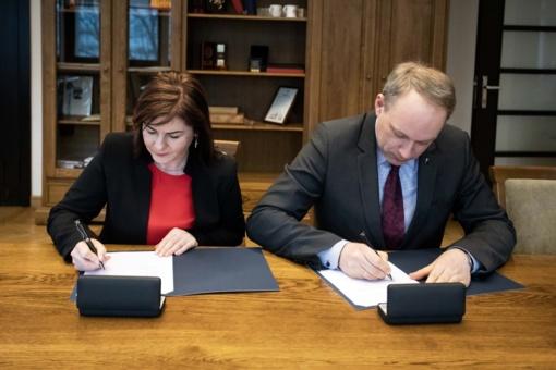 Pasirašyta sutartis atnaujino bendradarbiavimą su KTU