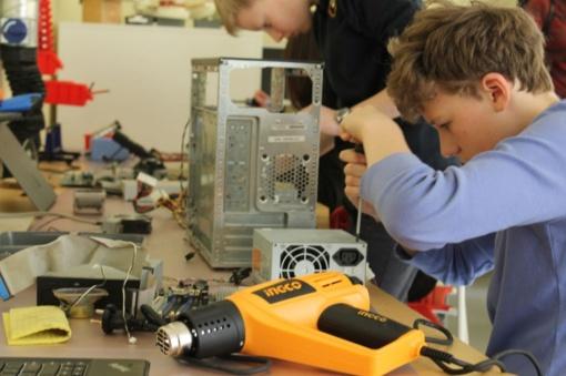 Vilniaus miesto mokyklos kviečiamos steigti FabLab dirbtuves