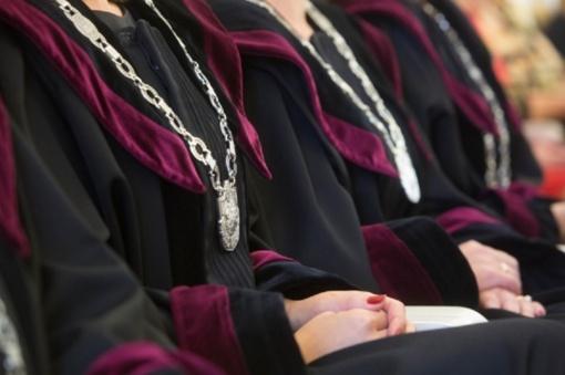 Po kyšininkavimo skandalo smuko pasitikėjimas teismais