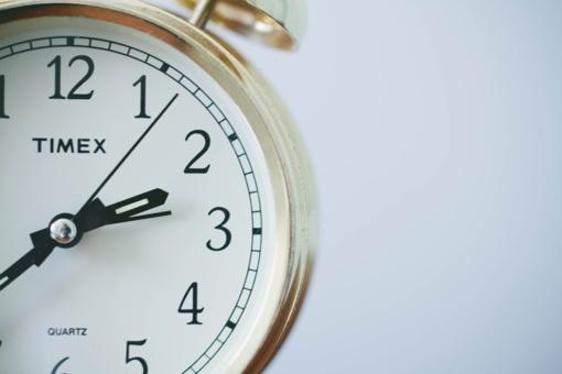 Paaiškėjo, kada nustosime sukioti laikrodžius