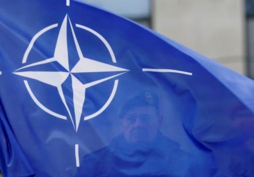 15-osios NATO metinės Alytuje – iškilminga rikiuotė ir salvės