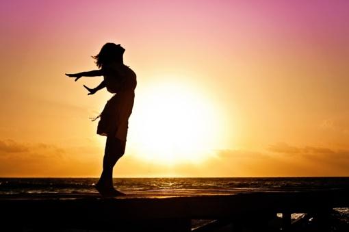 5 paprasti būdai pritraukti į savo gyvenimą meilę ir moterišką laimę