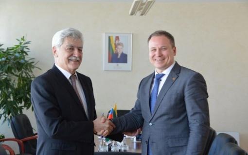 Azerbaidžanas nori aktyviau bendradarbiauti su Lietuva