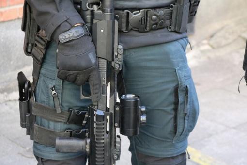 Pareigūnai sulaikė abu Tauragėje su antrankiais pabėgusius įtariamuosius vagyste