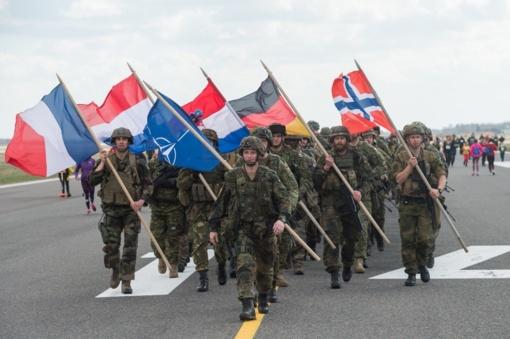 Diskusijos dalyviai prisimins Lietuvos kelią į NATO