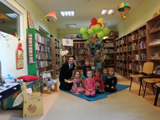 Į Obelyno biblioteką rinkosi patys mažiausieji bibliotekos lankytojai