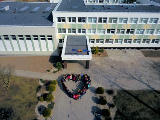 """Antrasis ERASMUS+ KA2 projekto """"Future Unique To Us, Robotics and E-Learning"""" dalyvių susitikimas Šiauliuose, Medelyno progimnazijoje"""