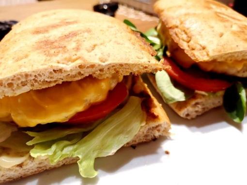 Šeštadienio pusryčiams - sumuštinis su sveikuolišku kalakutienos maltinuku