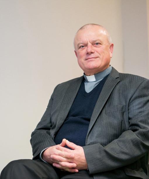 """Artėjant šv. Velykoms, kunigas V. Brilius apie """"proginius"""" katalikus: tai geriau negu nieko"""
