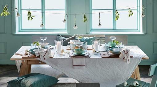 Velykų stalą pataria puošti pastelinėmis spalvomis ir šeimos relikvijomis
