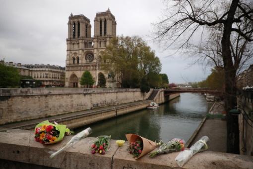 Ministras L. Linkevičius apie paramą Paryžiaus Švč. Dievo Motinos katedrai: nuošalyje neliksime