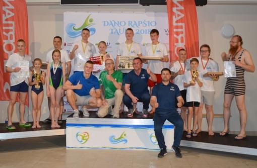 Varėnos baseine varžysis Lietuvos šeimų plaukimo varžybų dalyviai