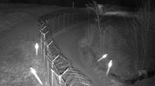 Į vandens pralaidą lindęs vyras galėjo pažeisti sieną su Rusija (vaizdo įrašas)