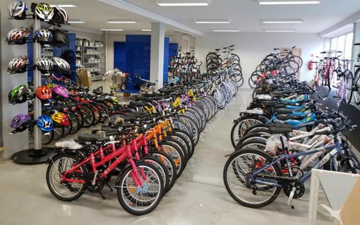 Šiauliuose atidaryta dviračių išparduotuvė