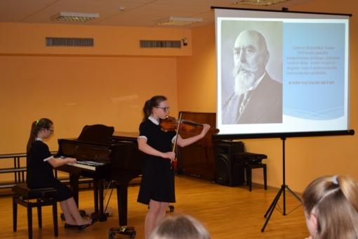 Minėjimas-koncertas Juozui Naujaliui atminti ir Raseinių meno mokyklos 60-mečiui paminėti
