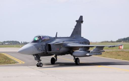 NATO Baltijos oro policijos misiją iš Šiaulių ruošiasi vykdyti Vengrijos naikintuvai, pastiprinimą į Lietuvą siųs ir Ispanija
