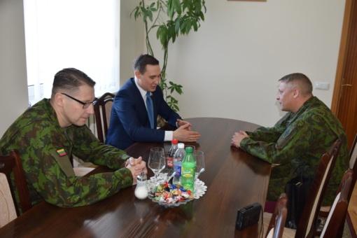 Savivaldybės ir krašto apsaugos atstovų bendradarbiavimas stiprėja