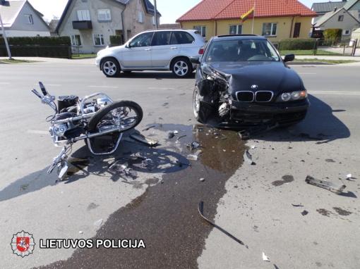 Marijampolėje susidūrė automobilis ir motociklas