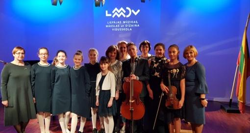 Jaunieji atlikėjai tarptautiniame konkurse įvertinti diplomais