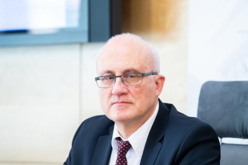 S. Jakeliūnas į krizės komisijos posėdį pakvietė V. Vasiliauską