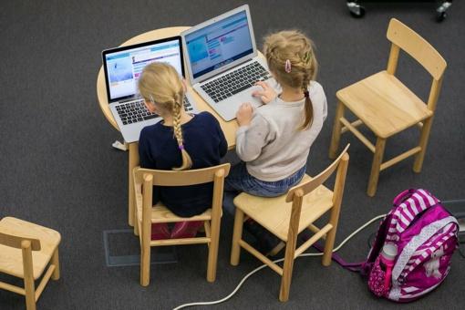 Panevėžio rajono mokyklos keičia pamokų formatą: vaikus žada mokyti autobuse