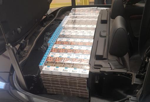 Kabriolete rusas slėpė pusantro tūkstančio pakelių cigarečių