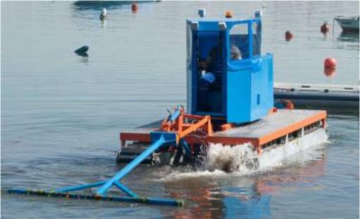 Amfibiją vairuos komunalininkai