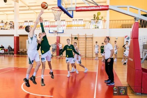 Jaunieji krepšinio talentai žinių sėmėsi Ukmergėje
