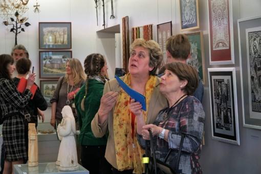 Tradicinėje Utenos rajono tautodailininkų parodoje – eksponatų ir svečių gausa