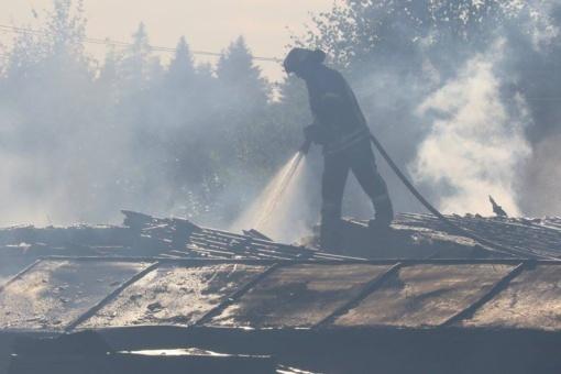 Šalčininkų rajono kaime dega 14 pastatų