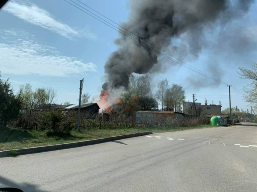 Trakų rajone dega septyni pastatai