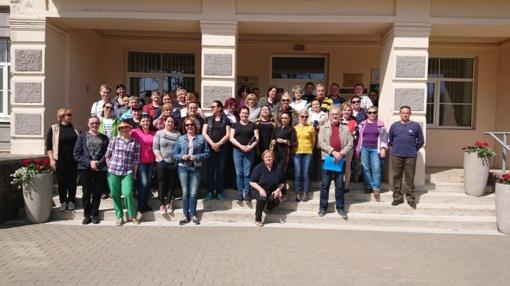 Dainų progimnazijos jaunųjų samariečių velykiniai sveikinimai Moters ir vaiko klinikoje reabilitacijos skyriuje
