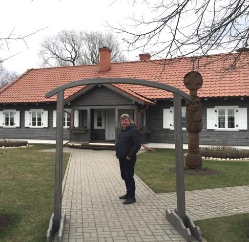 Iniciatyvi šeima Gasčiūnų bendruomenei padeda skleisti kaimo grožį