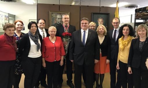 L. Linkevičius Čikagoje įteikė Lietuvos diplomatijos žvaigždę dr. J. Daugirdui